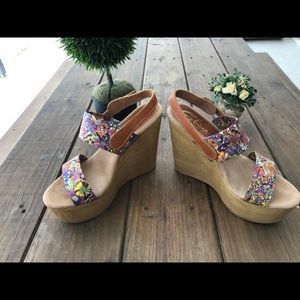 b4043f9ff Sbicca Shoes - SBICCA wedge sandals with floral design Size 8M
